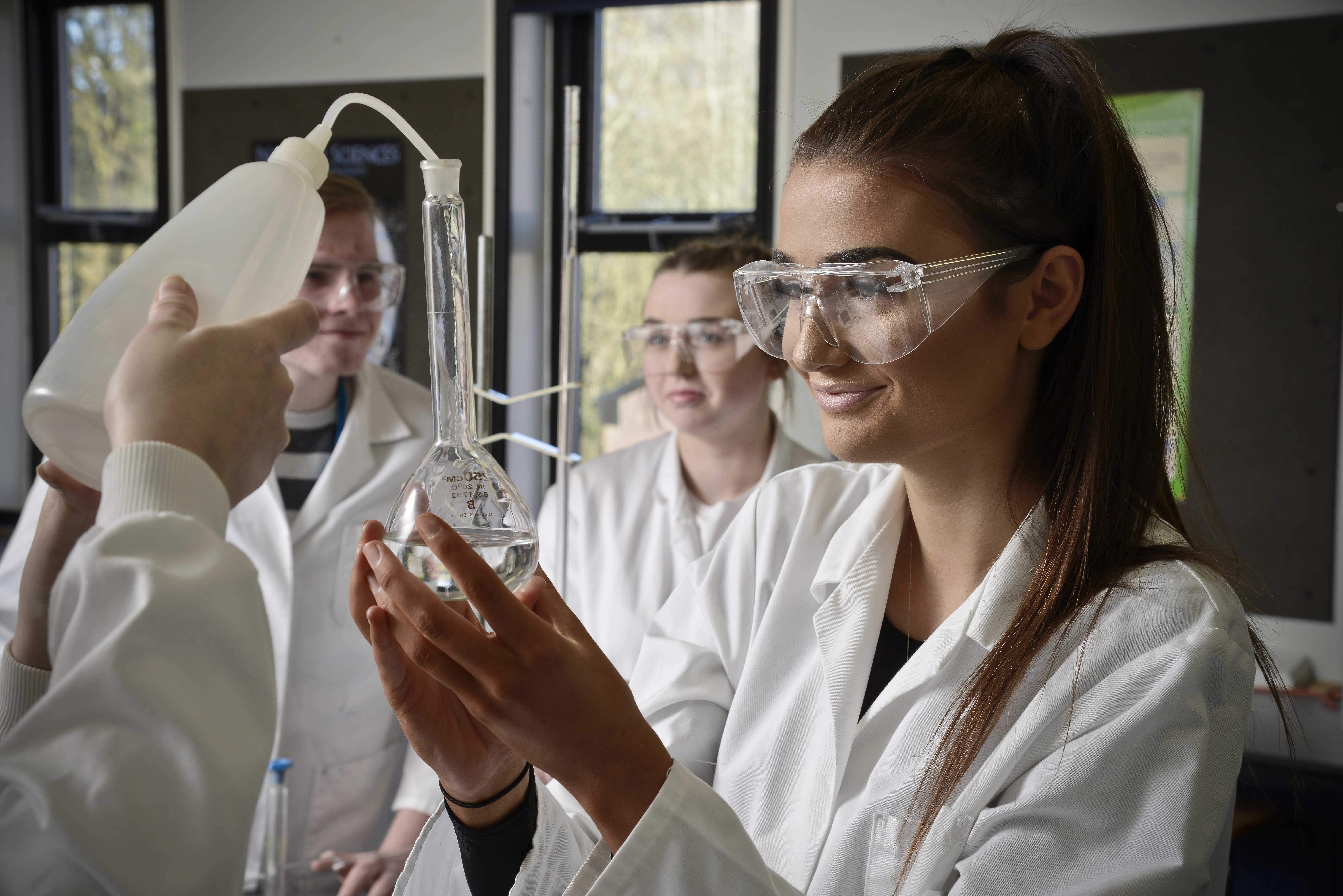 Applied Science Level 3 BTEC Extended Certificate