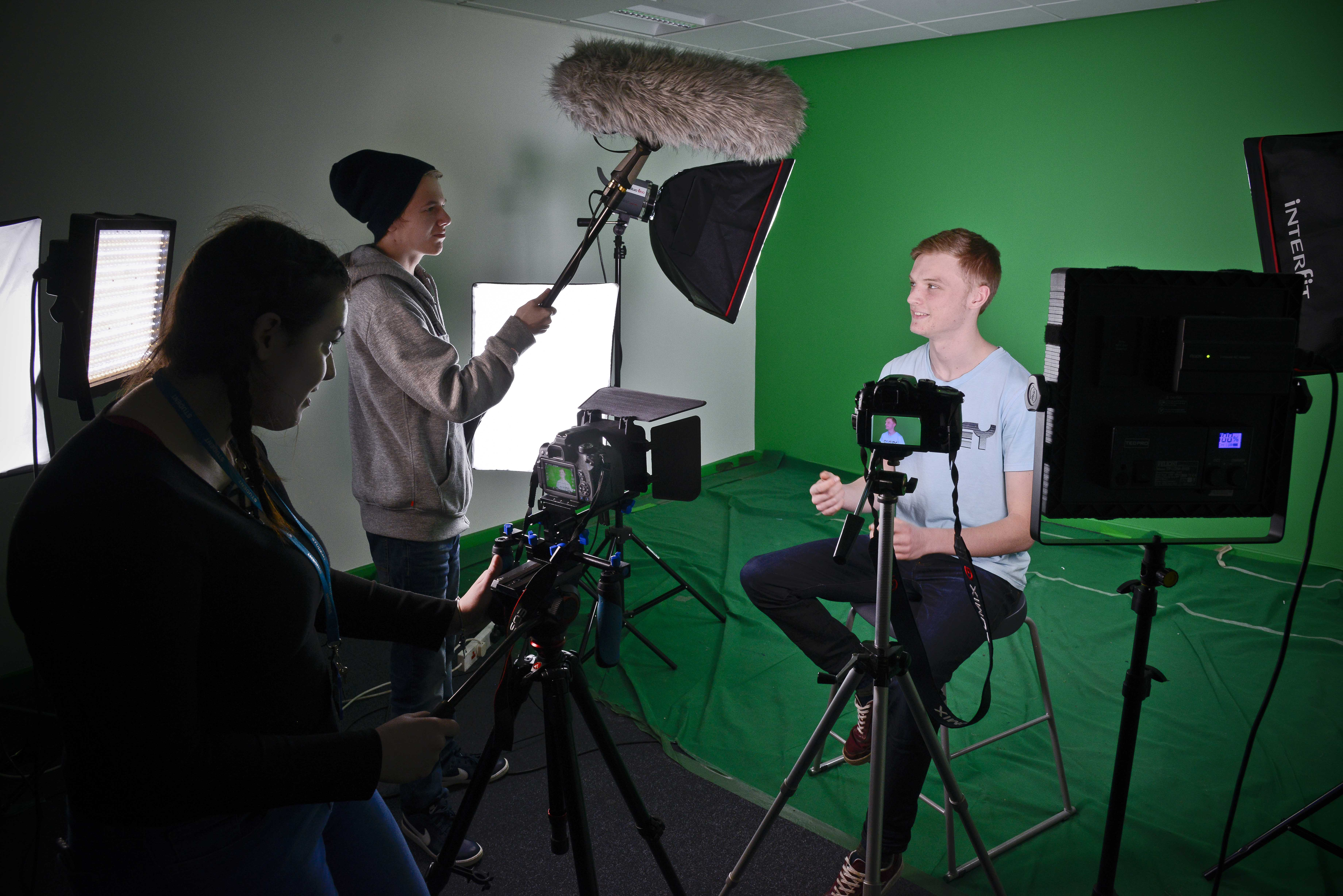 Cambridge Technicals OCR Media Level 3 Diploma / Extended Diploma