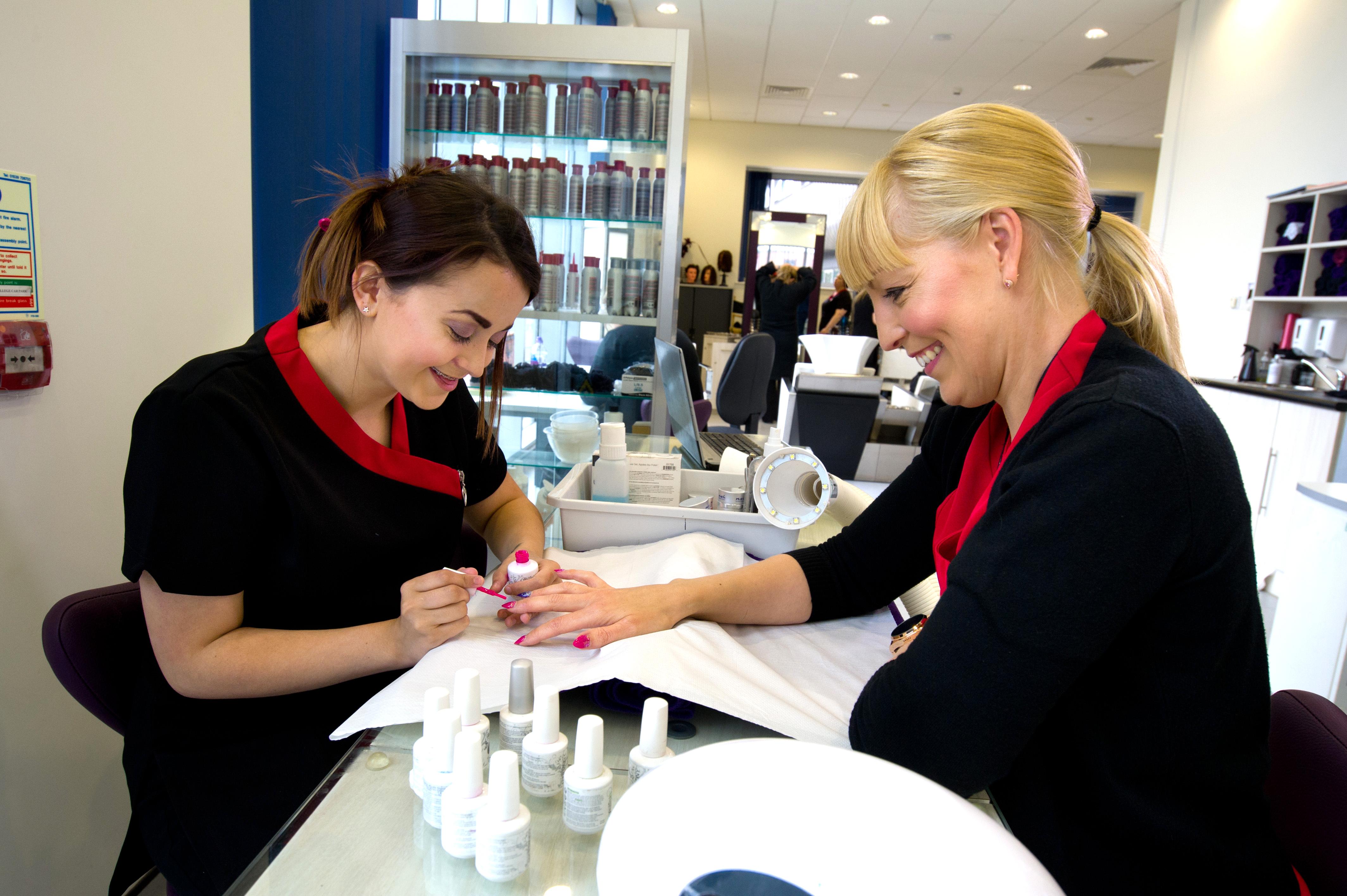 VTCT Level 3 Enhance and Maintain Nails using UV Gel