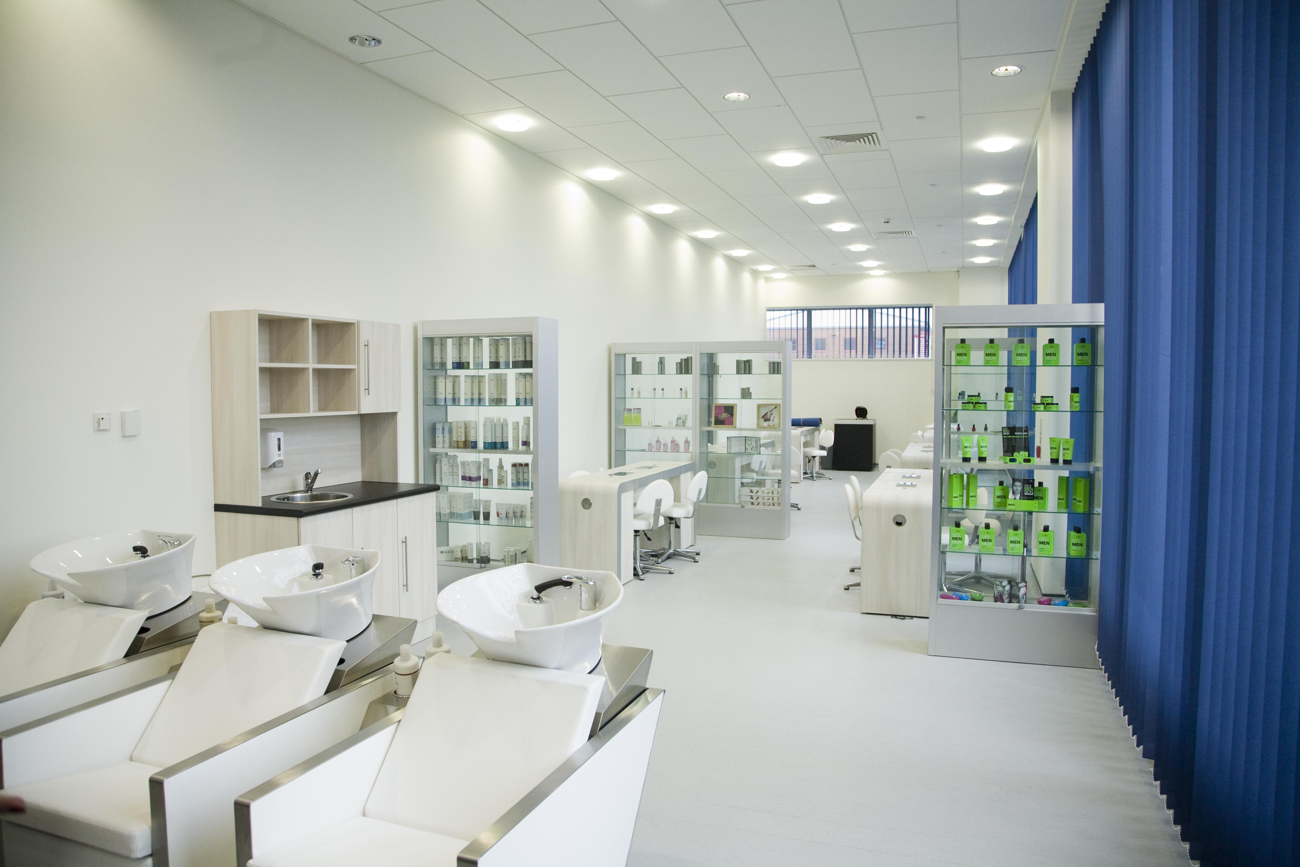VTCT Level 2 Provide Make-up Services