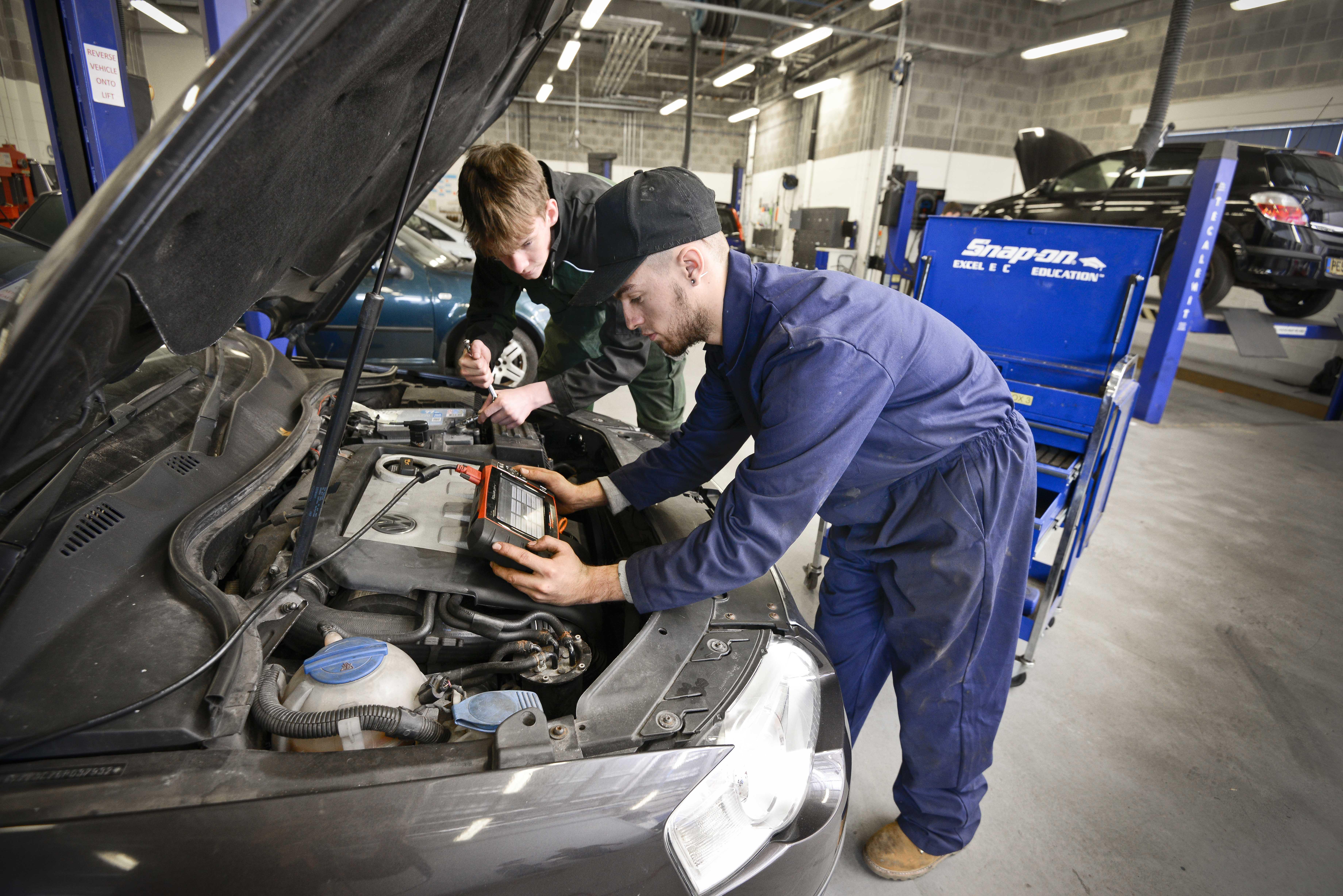 Level 2 Autocare Technician